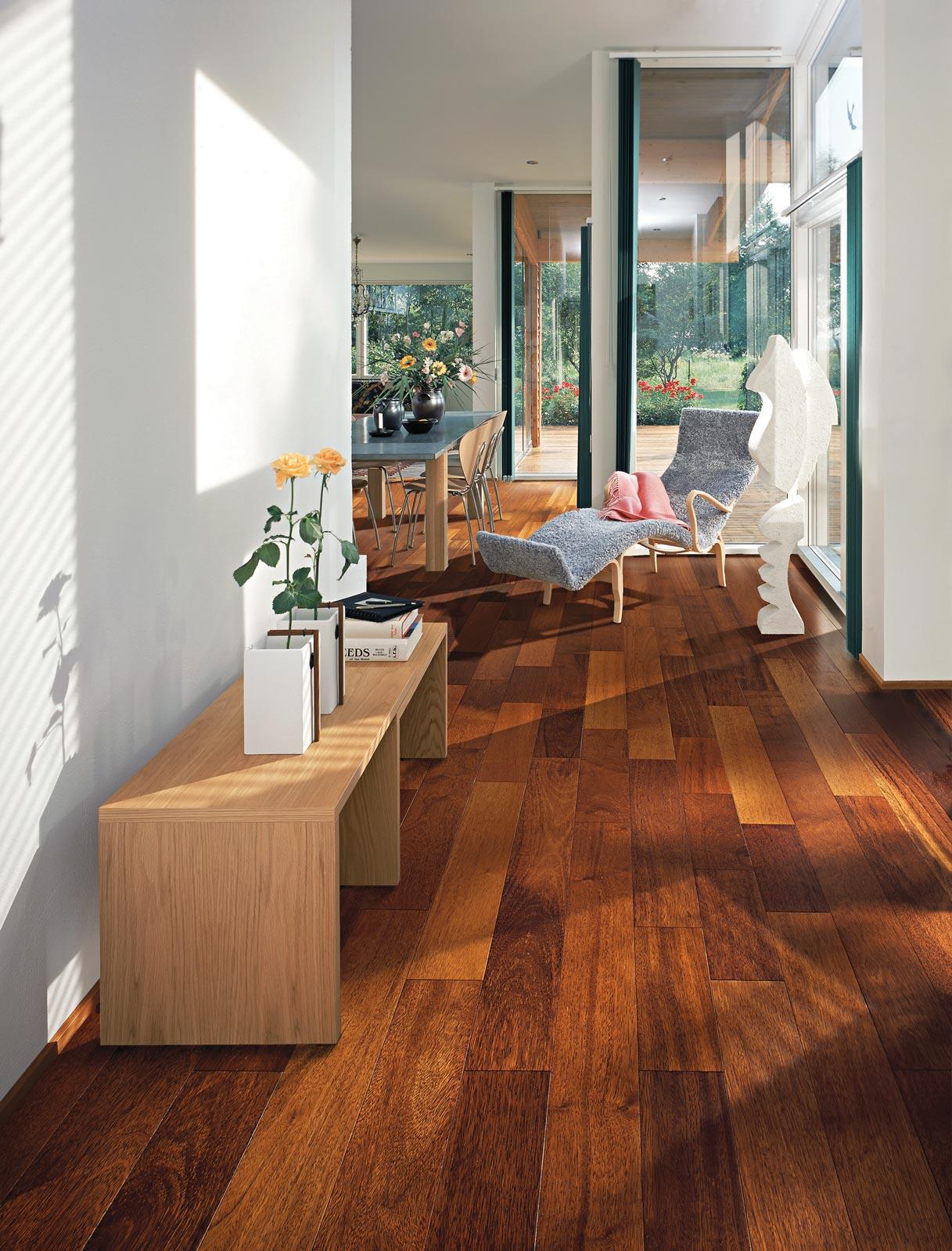 Hardwood Floor In Living Room T F Andrew Carpet e